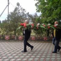 9 Мая в честь 75 летия Великой Победы в Великой Отечественной войне 1941-1945,жители села Тихоновка возложили герлянду памяти и цветы к Мемориалу погибшим воинам.