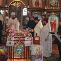 Святкове Богослужіння в храмі Олександра Невського служить Владика Олексій