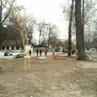 Прибирання території селища