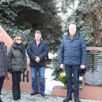 Покладання квітів до стели Афганістан на Меморіалі Слави, Пам'яті і Скорботи