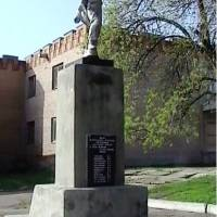 Памятник В.Носакову-min