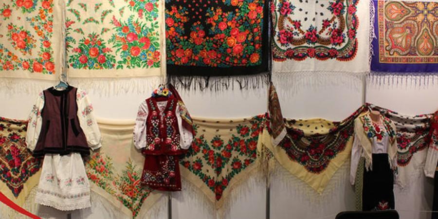 7 грудня відзначається Всесвітній День української хустки. Запрошуємо до участі у флешмобі!