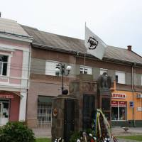 Пам'ятник загиблим тячівцям у світових війнах