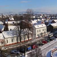 Зимова панорама вулиці Незалежності та площі Поштової у м.Тячів