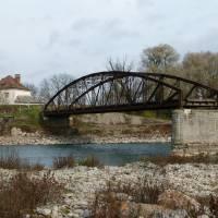 Зруйнованиий 1944 року міст через р.Тиса на кордоні з Румунією у м.Тячів - вигляд з Румунії