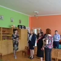 гості відвідали Тячівський ДНЗ №1, де їх люб'язно зустріла завідувач Прінц Т.А.