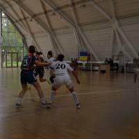 товариський матч між гандбольними жіночими командами Вац та Карпати