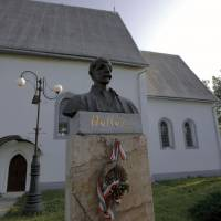 Пам'ятник Шимону Голлоші