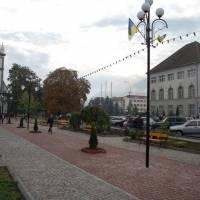 Пішохідна частина площі Пам'яті