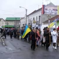 Хід до братської могили воїнів УПА. фото В.Салітри