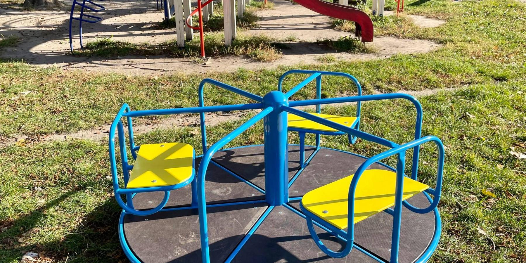 На дитячому майданчику в парку Т.Шевченка нові ігрові елементи.