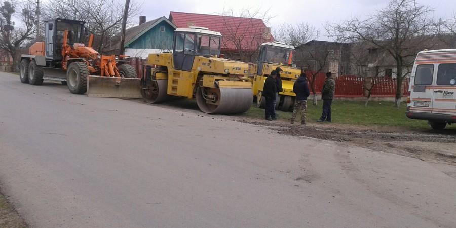 Розпочався ремонт дороги Зубів Міст-Обидів-Прибужани.