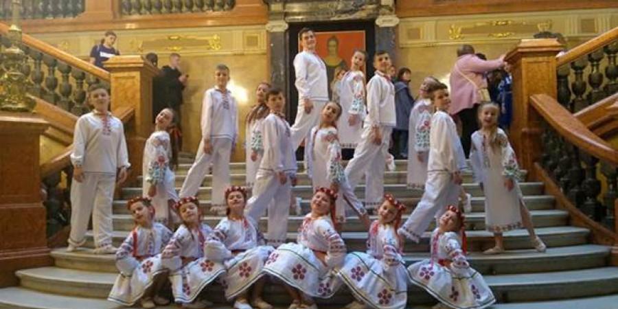 «Юним артистам – якісні костюми», вартість 50 000 грн за кошти громадського бюджету