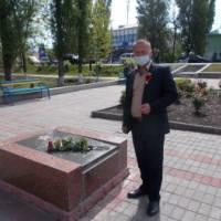 9 травня  2020 року - покладання квітів до могил загиблих героїв  у Другій світовій війні