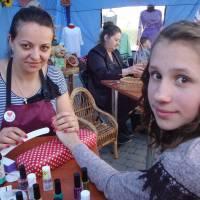 Ангеліна з Хмельниччини обрала Рівненський центр профтехосвіти за хорошими відгуками знайомих: тут вона опановує професію манікюрниці. Хоч ринок цих п