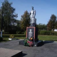 Пам'ятник на братській могилі воїнів ІІ світової війни
