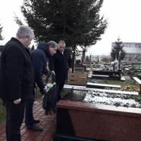покладання квітів до пам'ятника герою небесної сотні Олександру Капіносу
