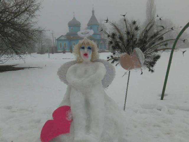 На Уманщині триває конкурс снігових скульптур (фото)