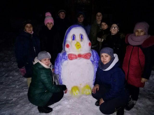 Нові претенденти на перемогу у районному конкурсі снігових скульптур (фото)