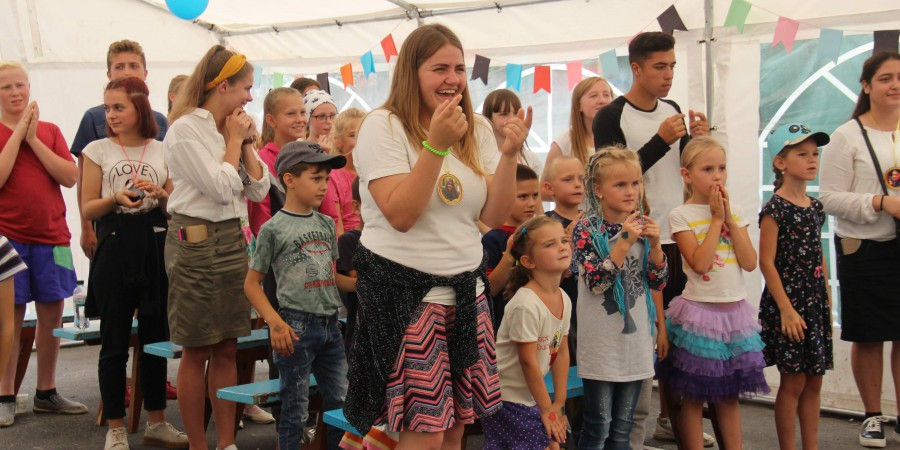 Християнський дитячий табір - це весело, цікаво і корисно!