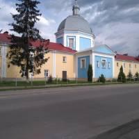 Братський корпус з Михайлівською церквою