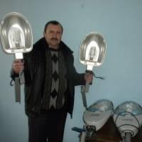 Підготування  нових ліхтарів  до встановлення