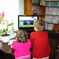 Діти спілкуються з далекими батьками