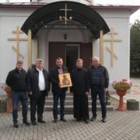 Дарування Зарванецькому храму старовинної ікони