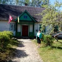Школа села  Комарове