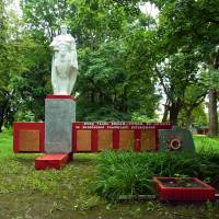 Пам'ятник землякам та радянським воїнам (1969 рік), с.Перевали