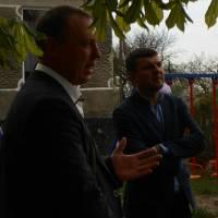 Голова громади вітає з встановленняим дитячого майданчика жителів с. Топилище