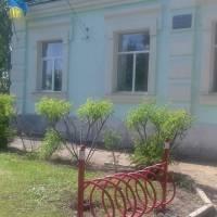Адмінбудівля селищної ради в с. Осинове