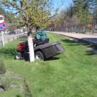 Міні трактор на базі газонокосарки