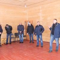 Микола Романченко розповідає гостям з Міловщини про важливість духовного розвитку