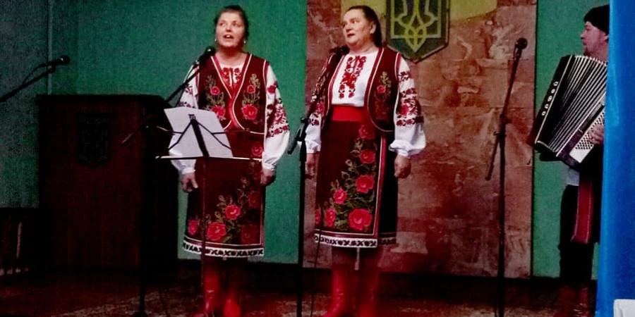 «Свято пісні», на якому згадали українські пісні, колядки, а також прозвучали популярні сучасні пісні. Свою творчість дарували глядачам вокальні ансамблі Центру культури та дозвілля Білокоровицької сільської ради: