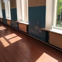 нові радіатори та система опалення (коридор)