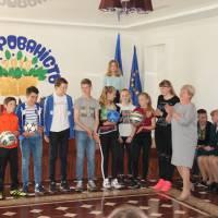 Команди юнаків та дівчат ФК