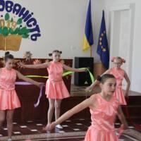 Відкрили свято учні танцювального колективу (керівник Куча О. М.)