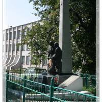 Братська могила біля Корнинської гімназії