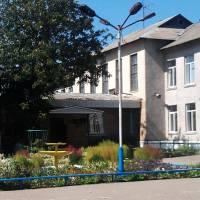 Школа, головний вхід