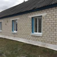 В мальовничому селі Ушиця відремонтували приміщення сільського клубу та фельдшерського пункту.