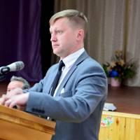 Головний спеціаліст гуманітарного відділу Олег Рогов пропонує для розгляду програми розвитку фізичної культури і спорту та розвитку культури (засіданн