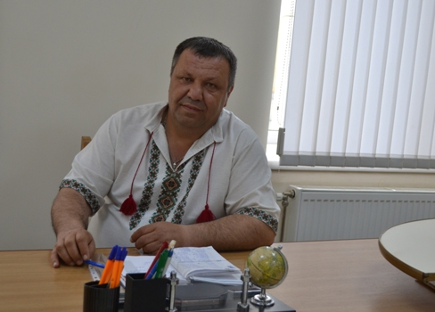 ЛяхІванМихайлович -заступник селищного голови з питань діяльності виконавчих органів