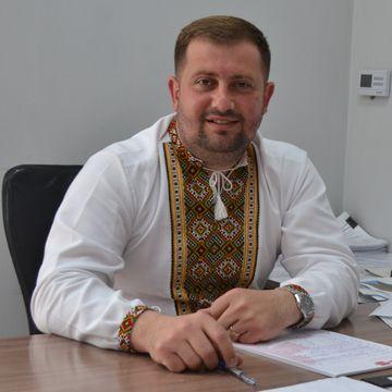 Янчій Руслан Миколайович - Голова Буштинської територіальної громади