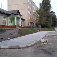 Тротуар по вул. Карпатська, 40 в процесі завершення ремонту - 2