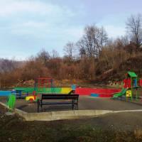 Дитячий майданчик у парку - 3