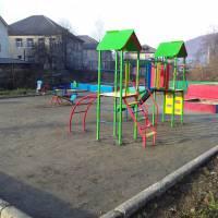 Дитячий майданчик у парку - 4