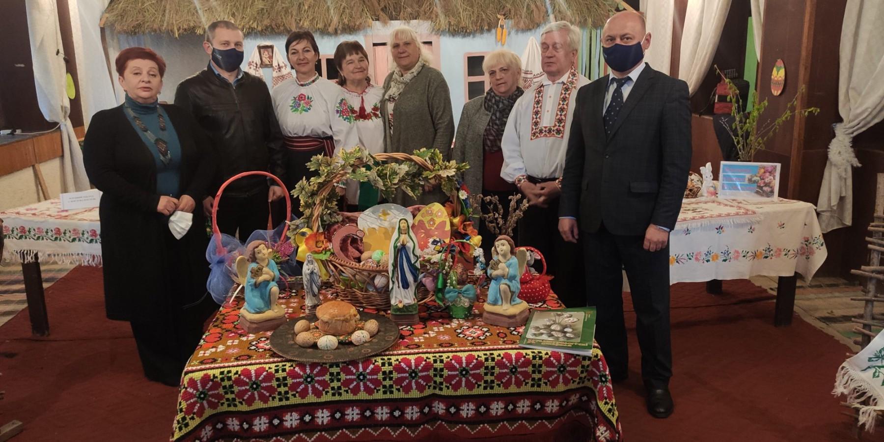 Відкриття виставки пасхальної атрибутики у закладах культури територіальної громади