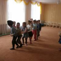 «Діти ввічливі та чемні всім навколишнім приємні»