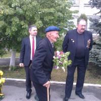 ветеран І.Б. Потоцький приїхав на мітинг 9 травня
